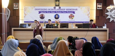 INSPIRING SCHOLARSHIP SEMINAR DENGAN TEMA  IGNITE YOUR ZEAL  UNLOCK YOUR FUTURE